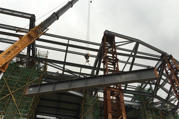 柳州白莲机场航站楼及配套设施扩建工程钢结构主体